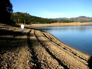 Dry lakebed at Lake Mendocino